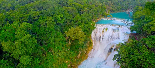 El Meco Waterfall, one of the best things to do in Huasteca