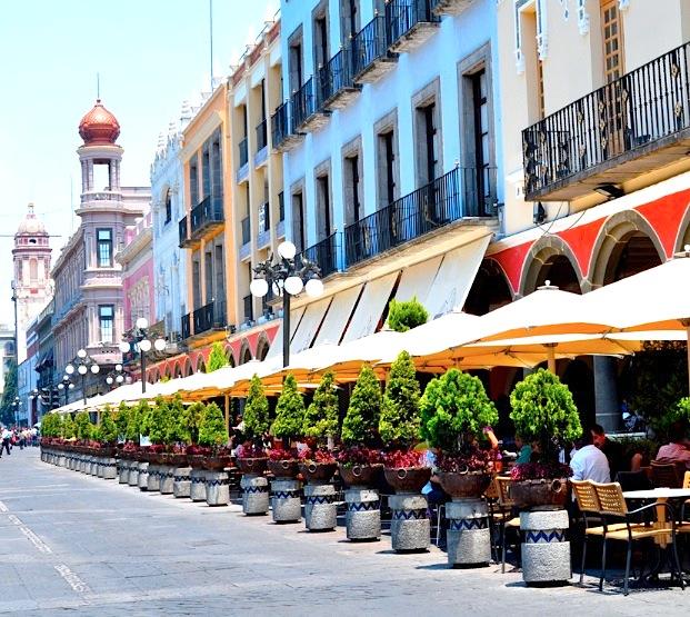 Centro hist rico de puebla for Casa de los azulejos centro historico