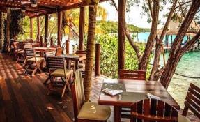 Los Hechizos Restaurant