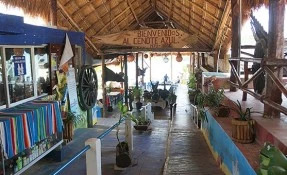 Eco Turístico Cenote Azul Restaurant