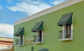 Los Balcones Restaurant