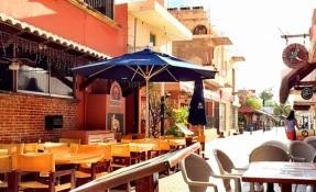 Compadres Restaurant