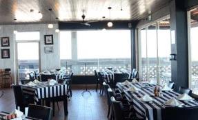 Stanley's Oyster Bar & Grill Restaurant