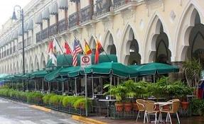 Café de la Plaza Restaurant
