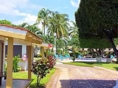 Mar Y Cocos, Manzanillo