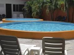 Bungalows Delfín, Playa Azul