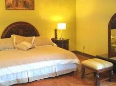 Casa Tío Camilo, Bernal