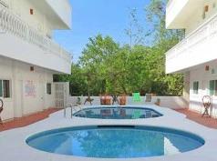 Gran Caimán, La Manzanilla