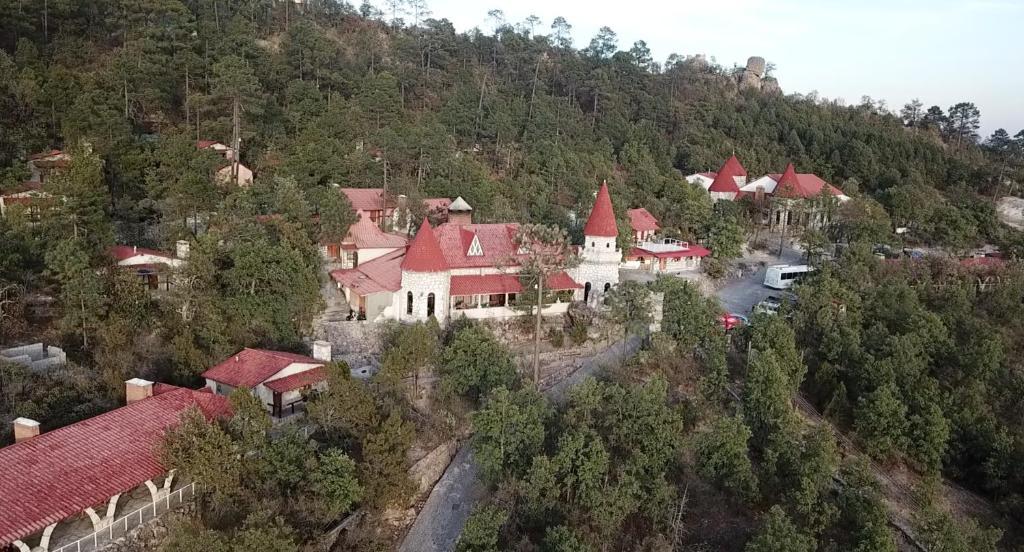 Mansión Tarahumara, Posada Barrancas