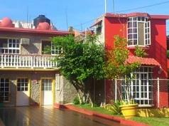 Bungalows Monteverde, Chachalacas