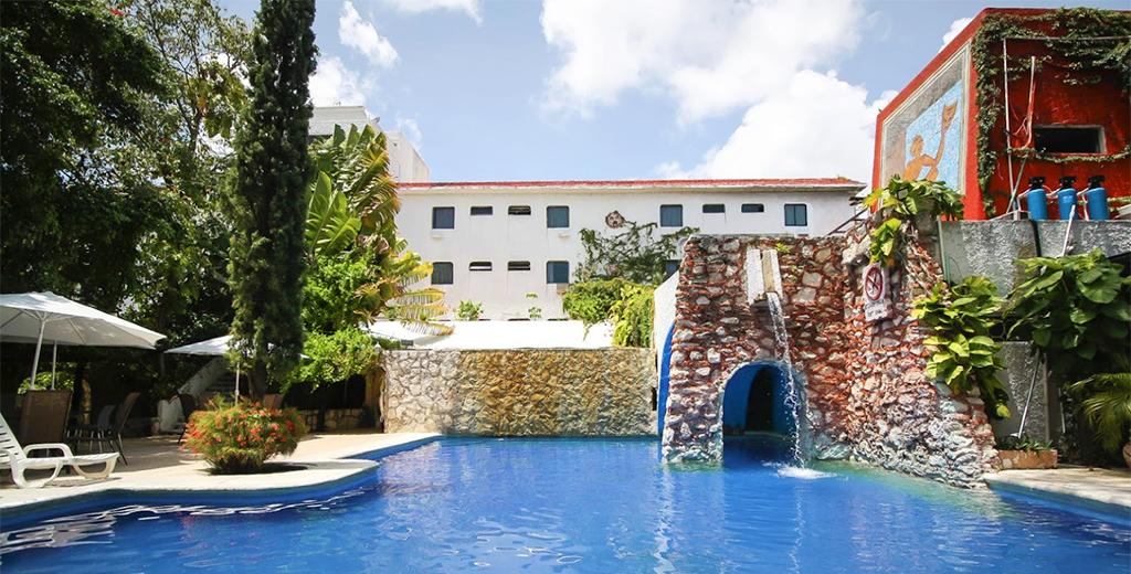 Hotel Barato Xbalamque en Cancún